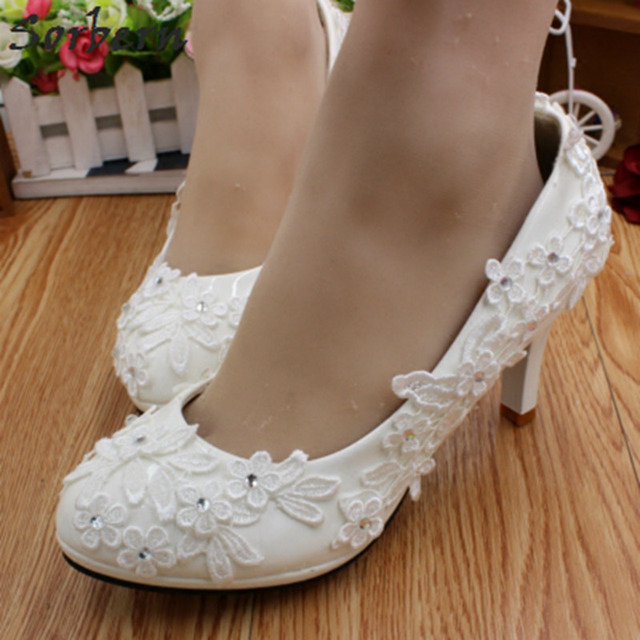 Sorbern White Flower Appliques Wedding Shoes 3 5 8Cm High Heel Cheap Bridal  Shoes Ladies Bridesmaid Girls Party Pump Shoes 04bee556f35d