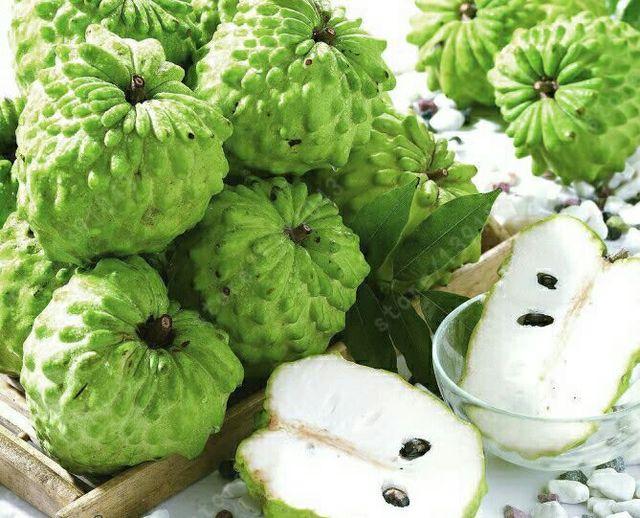 guanabana fruit eating healthy fruits