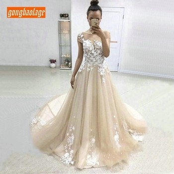 Fashion Short Sleeve Champagne Long Wedding Gowns Lace Appliqued Bride Dresses Tulle A Line Sweep Train Wedding Dress Handmade