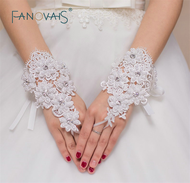 New Arrival Real Pictures Wrist Length Wedding Gloves Fingerless Pearls Crystal Beaded Bridal Gloves