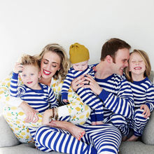 Xmas Kids Adult Family Matching Pajamas Set Christmas Father Mother Kid Striped Sleepwear Nightwear 2017 New Costume Clothes Set