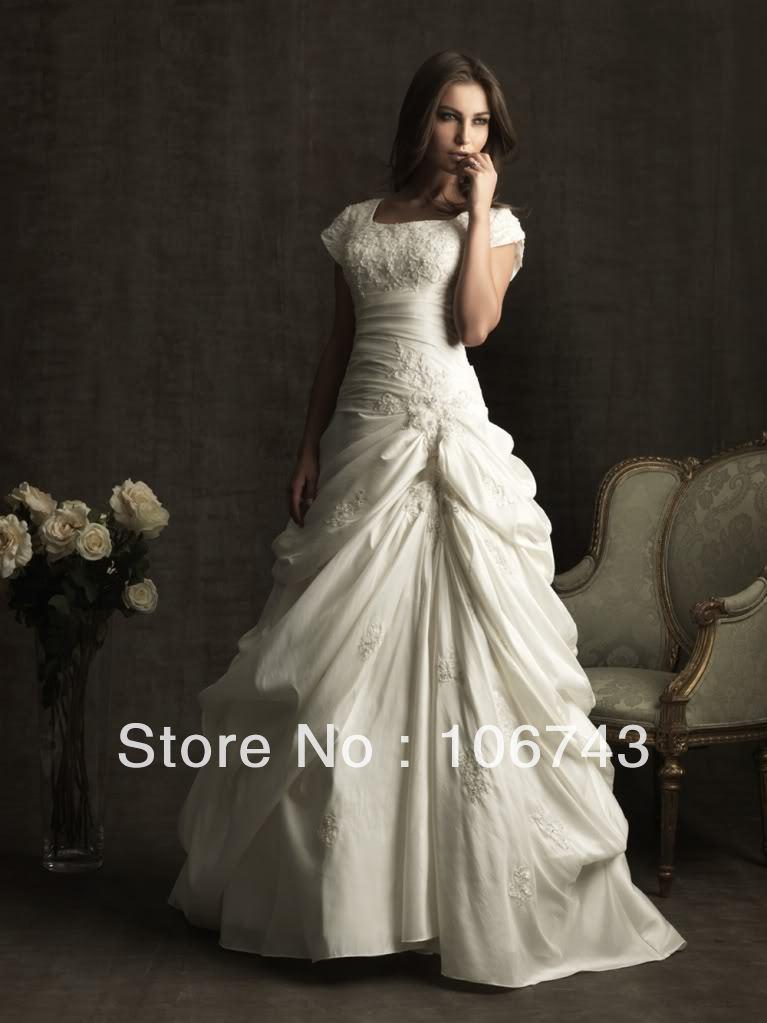 Livraison gratuite nouveau style vente chaude robe de mariée douce princesse taille Personnalisée broderie Dentelle Cap Train meilleur mère de la mariée robe