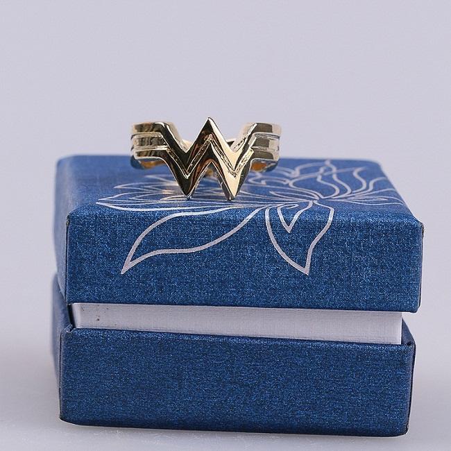 2017 Movie Wonder Woman Superhero Diana Prince Leather Headgear Metal Badge Rings  Cosplay Bronze Crown Band Headgear Woman