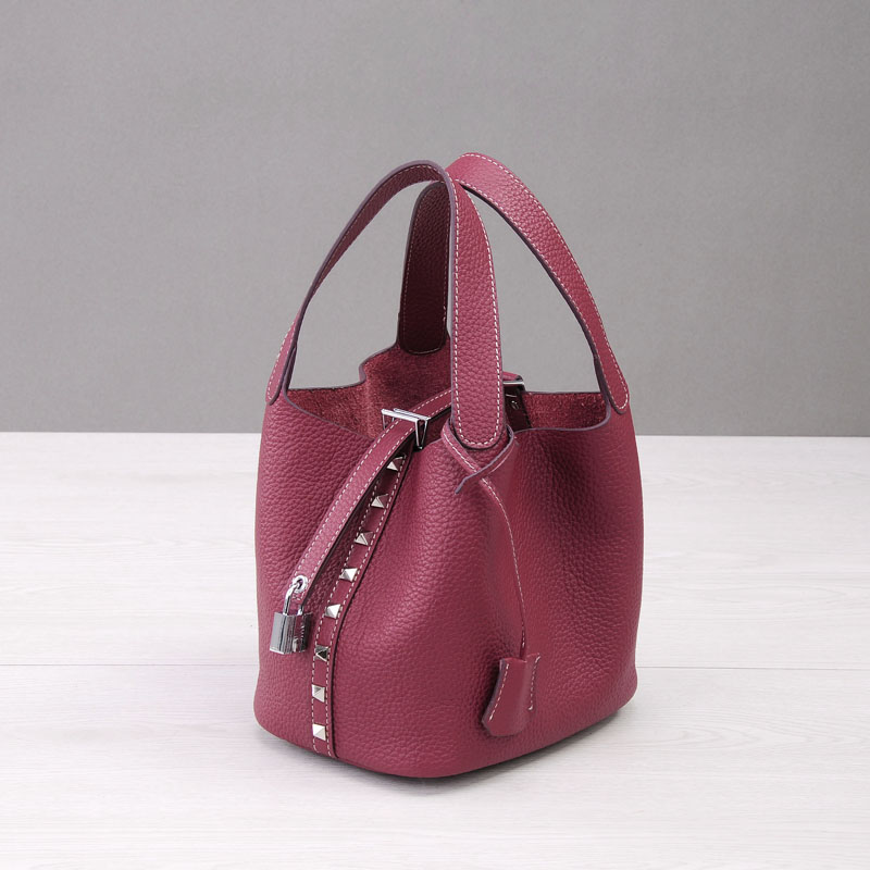 PRAVESDA 2018 ladies Geniune leather handbags rivet design bucket bags crossbody shopping bags casual tote bags