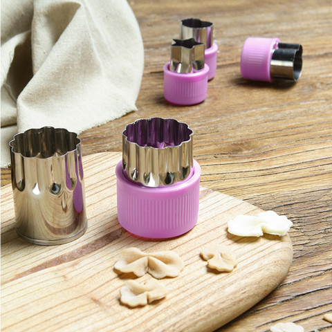 Dropshipping 9-Piece Set Stainless Steel Biscuit Cake Mold Cartoon Styling Tool Embossing Tool Cut Flower Islamabad