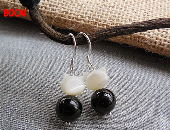 Little cute girl meow cat shell Black Onyx Earrings earrings and black and white color of jewelry and accessories цена