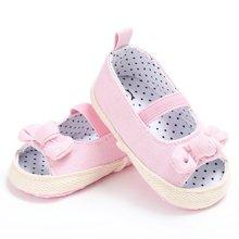 b2e602e104884 Été nouveau-né Bébés Filles Princesse Bowknot Fond Mou Landau Évider Lit  Premiers Marcheurs Chaussures
