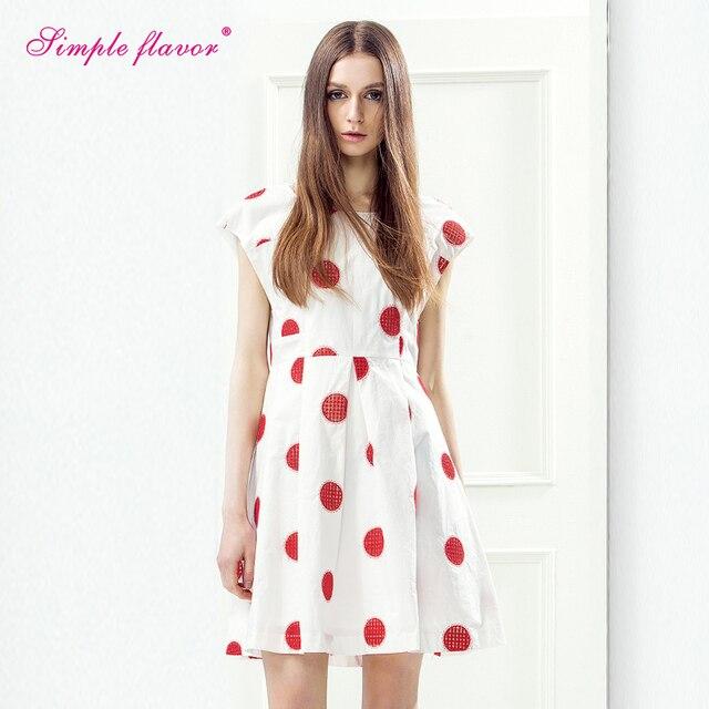 7edcdd10cf7924 2017 nieuwe mode zomer stijl vrouwen meisjes leuke mini jurken wit met rode  dot a-