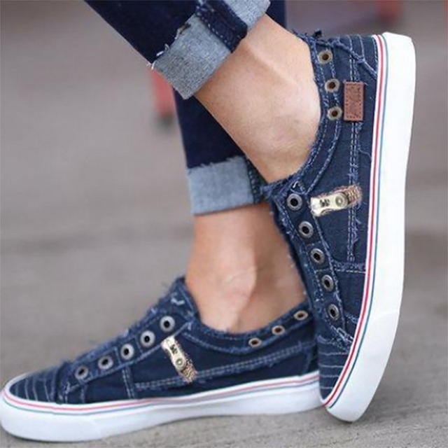 New Women Leisure Vulcanize Shoes Autumn Men Flat-Soled Sports Sports Shoes Lovers Solid Canvas Flat Sneakers Plus Size 35-43