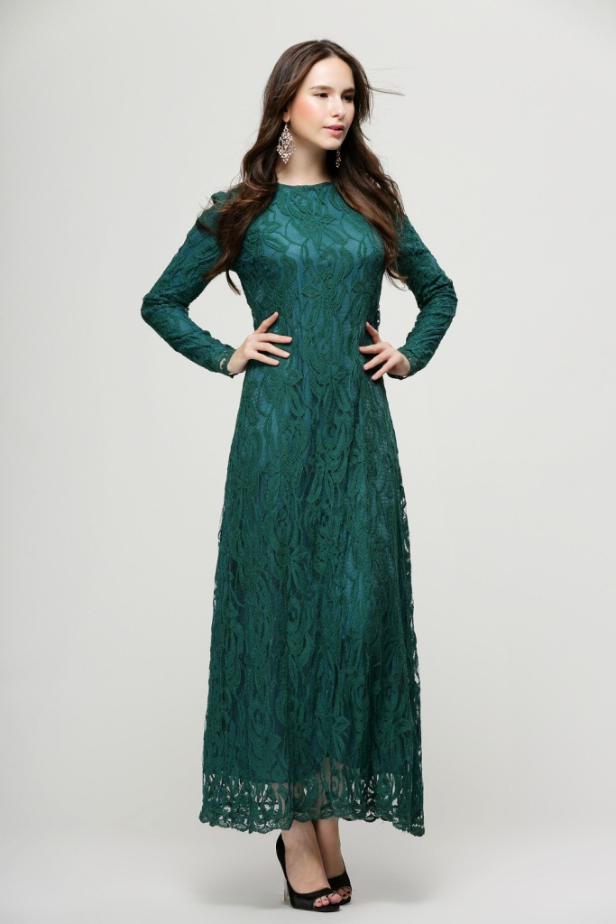 Maxi lace dresses with sleeves