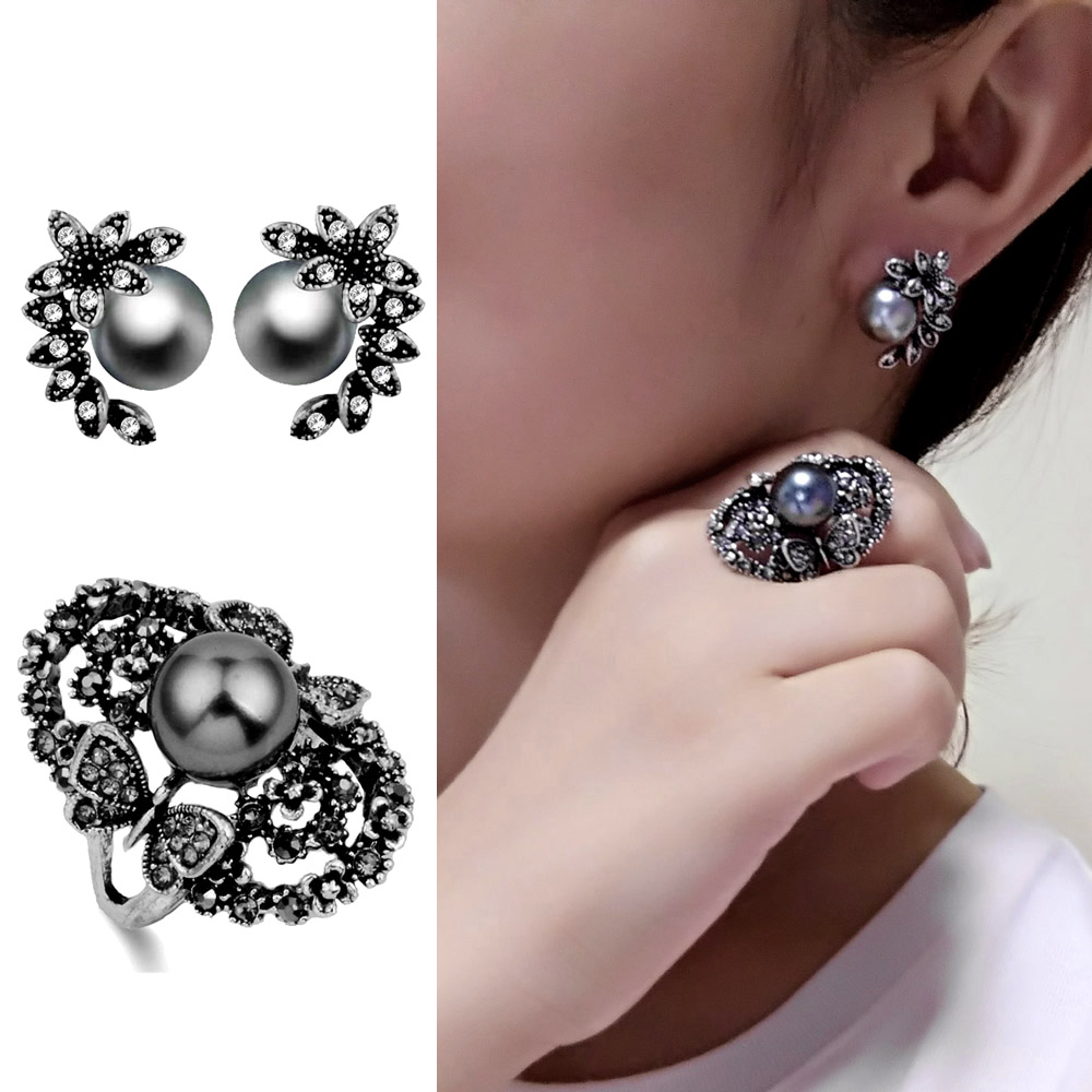 Beautifu Vintage White Rhinestone Flower Ring 925 Sterling Silver *Size 7*G575*