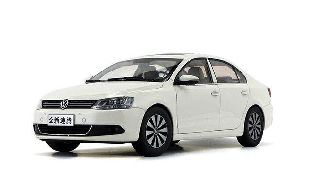 1 18 Diecast Model For Volkswagen Vw Sagitar Jetta 2012 White Alloy