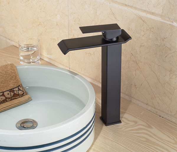 ФОТО Free Shipping Wholesale and Retail Oil Rubbed Bronze Basin Sink Mixer Faucet Water Tap Deck Mount Bathroom Vessel Sink Taps
