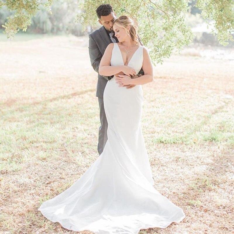 2019 New Arrival Simple Wedding Dress Sexy Deep V-neck Sleeveless Mermaid Bridal Dress Backless White Ivory Vestido De Casamento