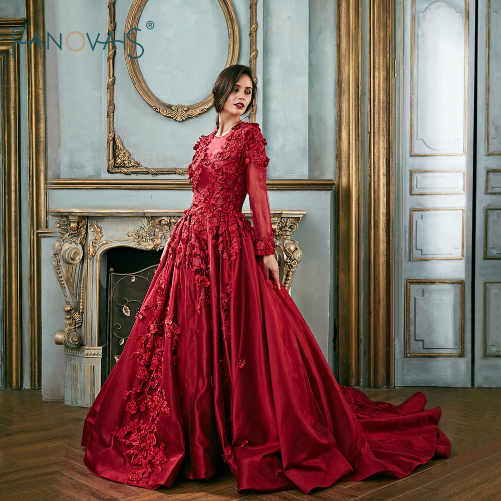 e6458fb2f9 Vintage Burgundy Evening Dresses 2018 Long Sleeve Applique Beaded Luxury  Lace Floral Prom Dress Satin Vestido de Fiesta EN9-in Evening Dresses from  Weddings ...