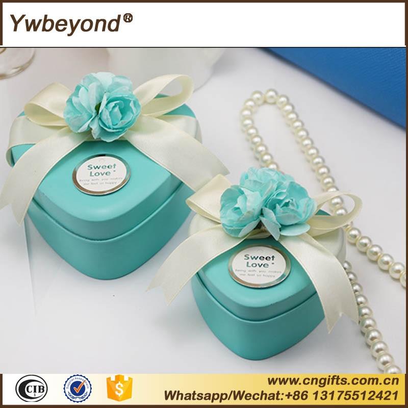 Wholesale 50pcslot Tinplate Heart Tin Candy Box Wedding Favors