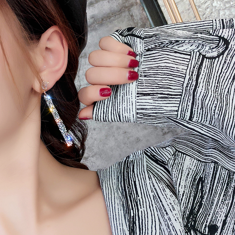 19 New Fashion Arrival Crystal Classic Geometric Long Dangle Earrings For Woman Female Jewelry Korean Simple Earrings 3