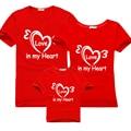 Juego trajes 2017 nueva camiseta del verano vestidos de madre e hija familia mamá papá bebé algodón family clothing ropa de bebé del corazón