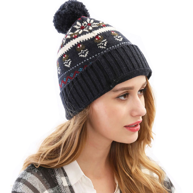 4 Colors 2015 Christmas Hats Snowflakes Paisley Skullies Beanie for Women Men Knit Thicken Top Quality Wool Winter Hats