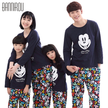 Spring Family Pajamas Sets 100% Cotton Mickey Cartoon Full Colorful Cure Lovely Soft Home Clothing For Kids Dad Mom Autumn 2018