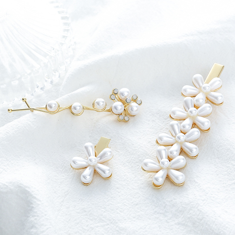 1pcs 2019 New size flower gold pearl pearl duck beak hairpin clip Korean hairpin A clip of a woman 39 s headdress in Women 39 s Hair Accessories from Apparel Accessories
