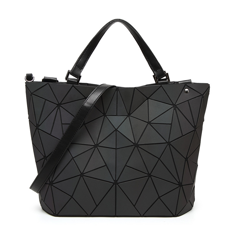 Drop shipping 2018 Women Luminous sac Bag Diamond Tote Geometry Quilted Shoulder Bags Laser Plain Folding Handbags bolso drop shoulder crew neck plain sweatshirt