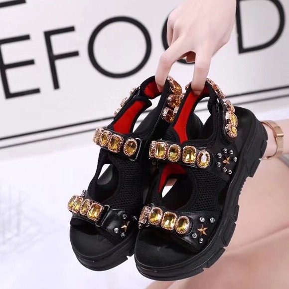 Prova perfetto New arrival 2019 spring and summer flat women sandals genuine leather sweet hook loop