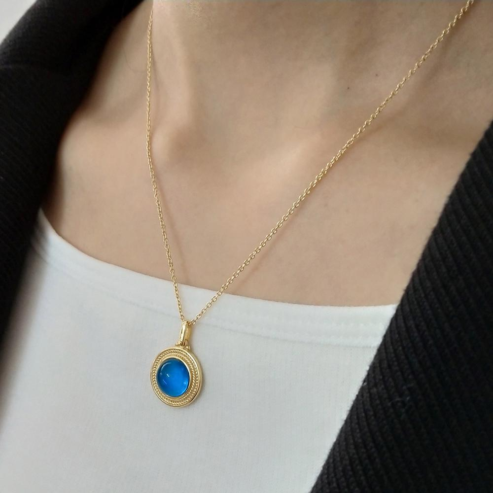 Delicate 100 925 Sterling Silver Round Princess Diana William Sapphire Pendant Necklace for Women Fashion Fine Jewelry in Necklaces from Jewelry Accessories