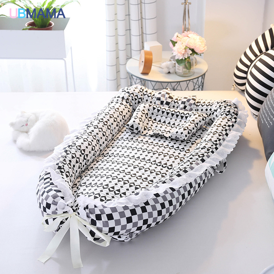 все цены на Travel Foldable Pillow Portable stripde Solid baby sleeper cotton Newborn Lace crib Baby soft bed for 0-36M baby 90*50*15cm