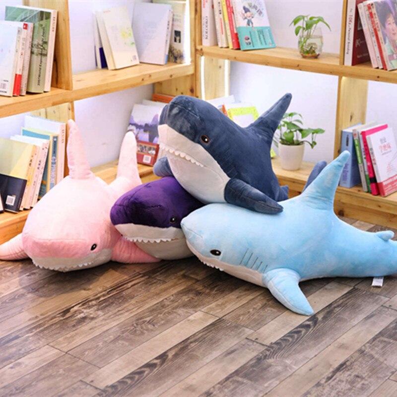 Mignon requin poupée courte en peluche jouets peluche Animal requin doux en peluche oreiller maison sieste oreiller Air conditionné couverture