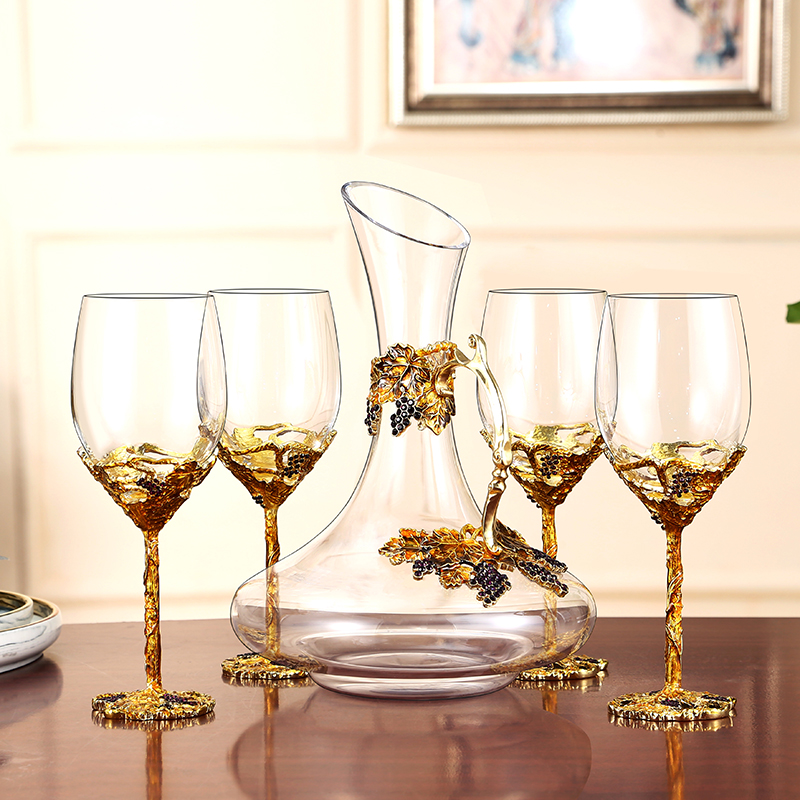 European enamel red wine glass cup Gold Retro goblet Lead free crystal cups champagne glasses cups Wedding Gift party drinkware in Wine Glasses from Home Garden