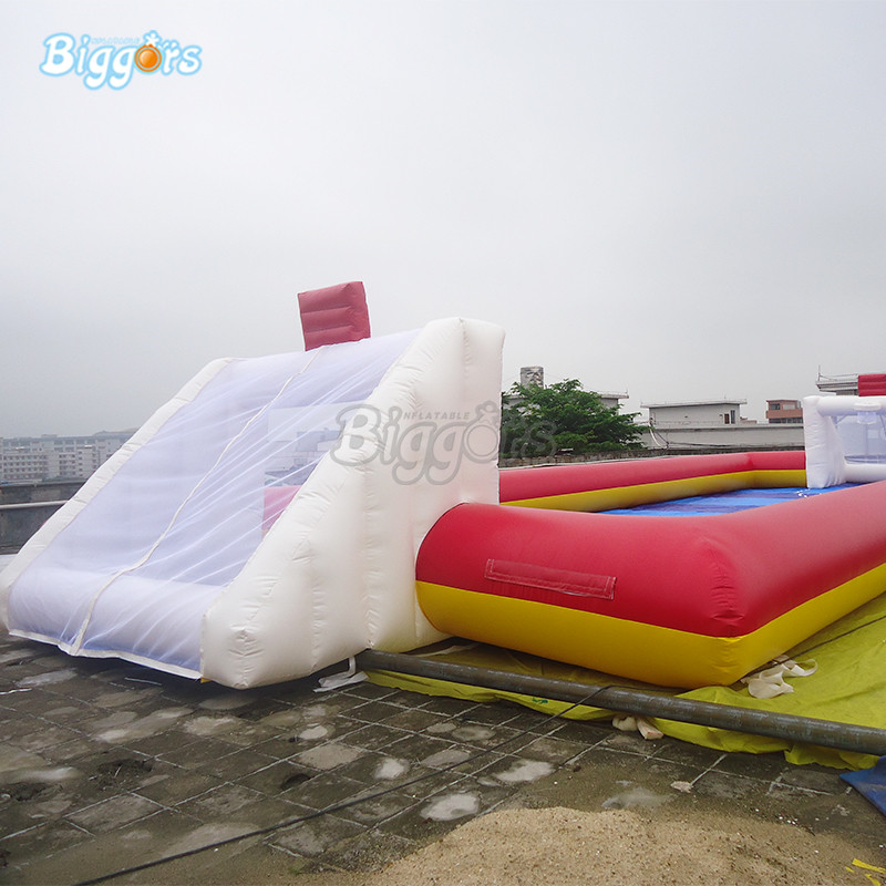 New Arrival Soapy Stadium Inflatable Soccer Field Inflatable Football Pitch With Blowers цена