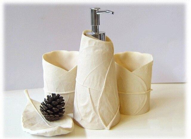 Bagno bianco 4 set semplici ed eleganti decorazioni per la casa