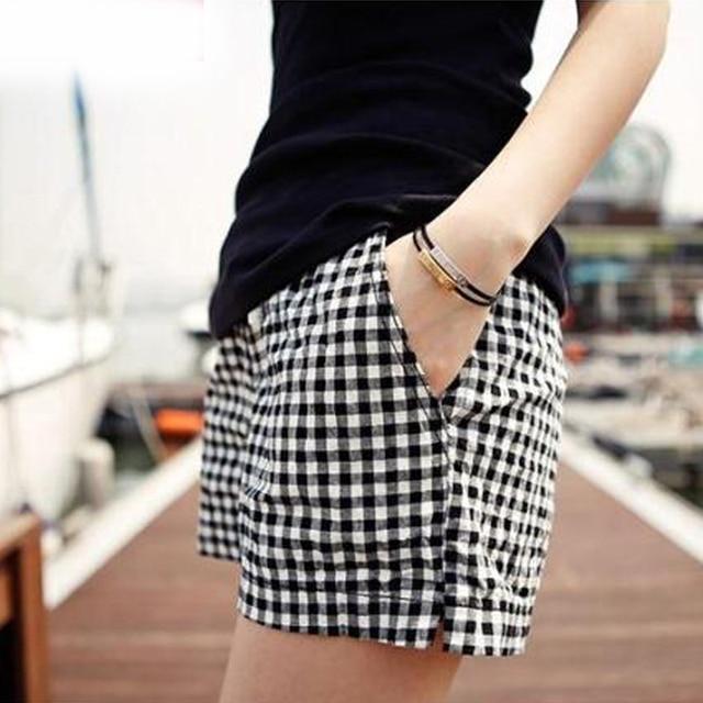2017 Korea Summer Woman Cotton Plaid Shorts New Fashion Design Lady Casual Loose Elastic Waist Short Trousers Plus Size 4XL B634
