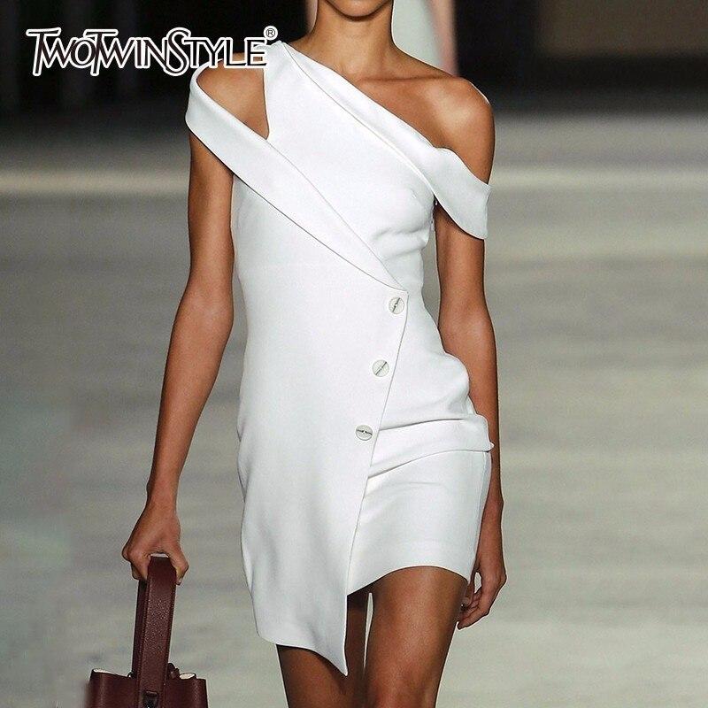 TWOTWINSTYLE Fuori Dal Vestito Della Spalla Delle Donne Della Rappezzatura Bianco Irregolare Sottile Sexy Aderente Mini Vestiti Da Partito 2018 di Nuovo Modo di Vestiti
