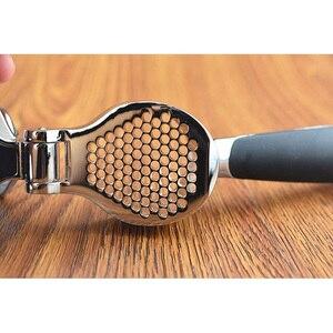 Image 4 - Paslanmaz çelik 304 # hızlı el squeeze sarımsak zencefil presler kırıcı manuel mutfak aracı sarımsak soyma cihazı ücretsiz kargo