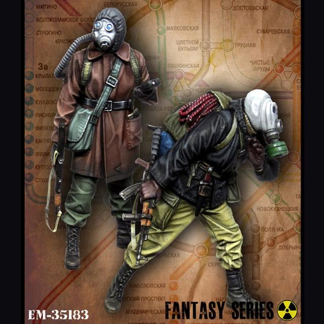1/35 Stalker. Metro, 2 people, Resin Model Soldier GK, War theme, Unassembled and unpainted kit