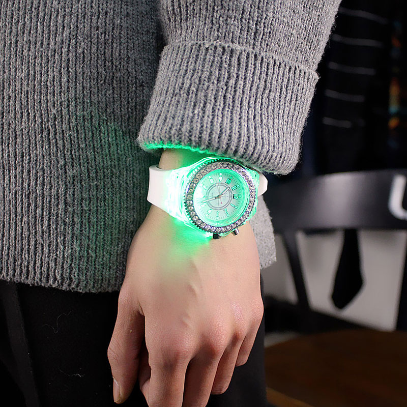 led Flash Luminous Watch Personality trends students lovers jellies woman men's watches 7 color light WristWatch 3