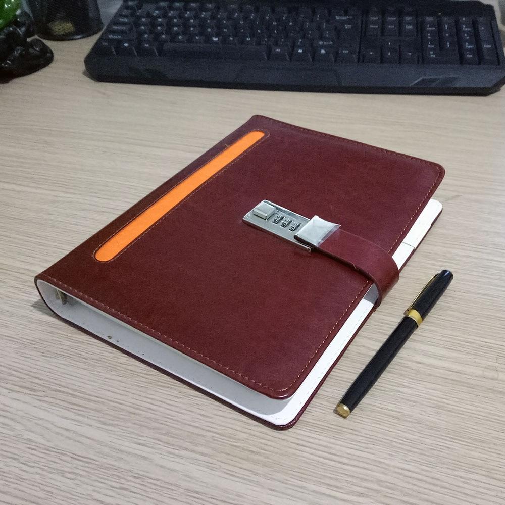 Nový kožený zápisník notebooku se zámkovým kódem - Bloky a záznamní knihy - Fotografie 4