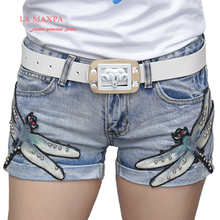 2017 latest princess head sequins broken hole denim shorts Lace Embroidered bead Fashion hot pants Heavy water embroidery shorts