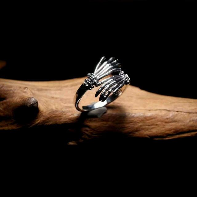 925 STERLING SILVER SKULL HAND RING