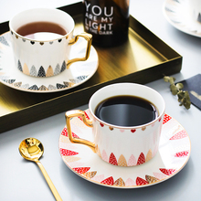 Fashion Simple couple coffee cup and saucer creative flower tea set gold rim ceramic cups home afternoon with spoon