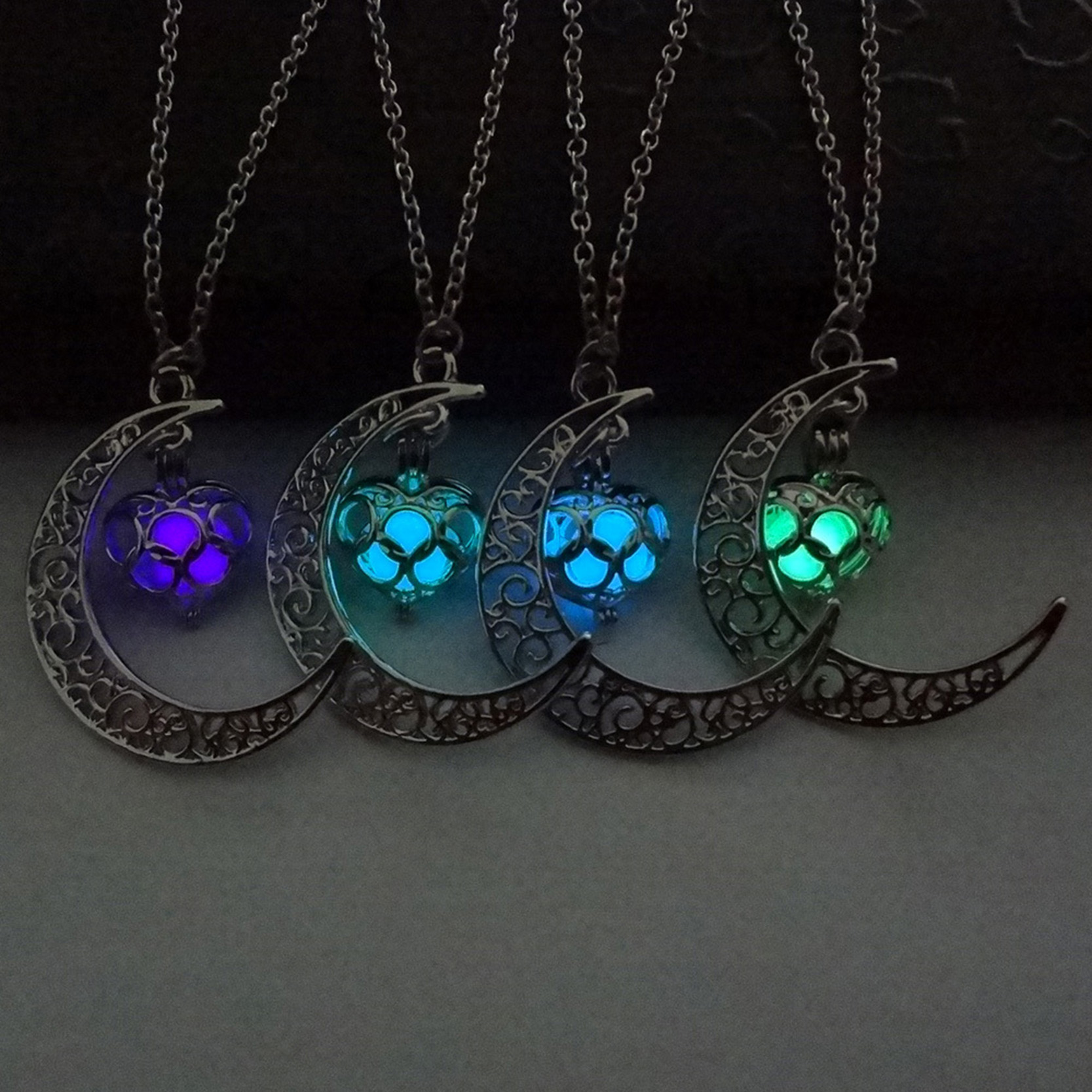 2018 Glowing In The Dark Pendant Necklaces Silver Plated Chain Necklaces Hollow Moon & Heart Choker Necklace Collares Jewelry