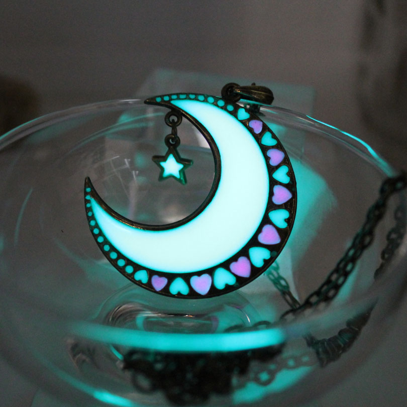 Glowing Moon Necklace Moon And Stars Necklace GLOW In The DARK Luminous Love Heart Pendants Necklaces