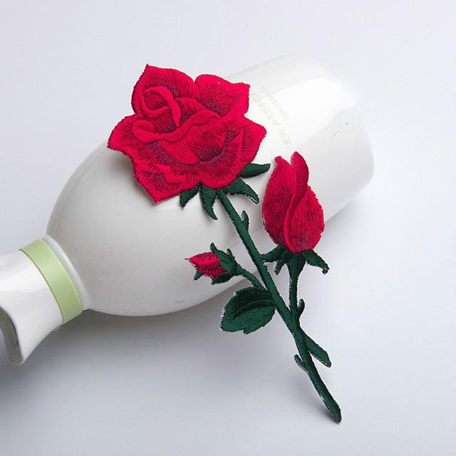 sul Ferro Fiore Sew Rose per 1 Ricamato Red Patch Pz Abbigliamento aZnq0w8