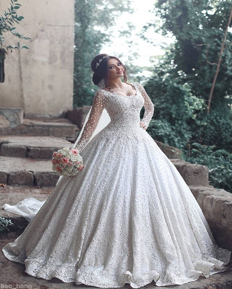 2017 Vintage Muslim Lace Ball Gown Wedding Dresses Sheer Long