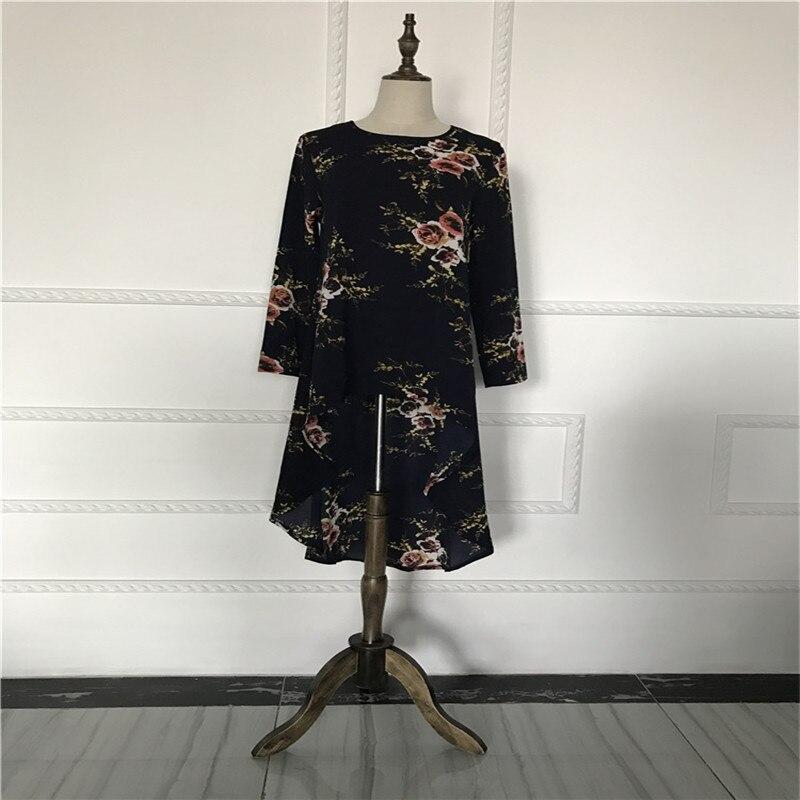 Aliexpress.com   Buy Muslim Blouses Adult Women Shirts Dress Long Blouse  Islamic Tops New Abaya Vintage Dress Shirt Loose Style from Reliable muslim  blouse ... 31661cc10