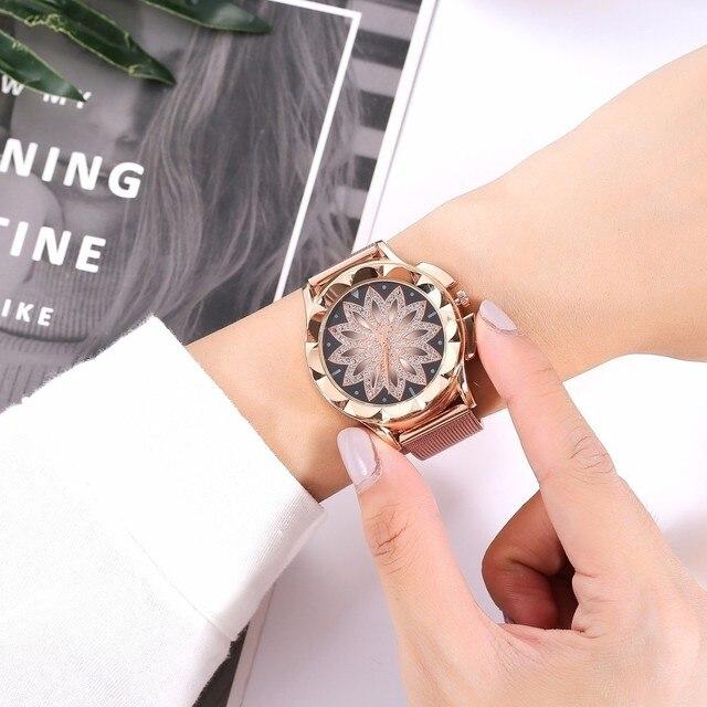 Luxury Casual Women Rose Gold Flower Rhinestone Wrist Watches Fashion Female Quartz Watch Relogio Feminino 1