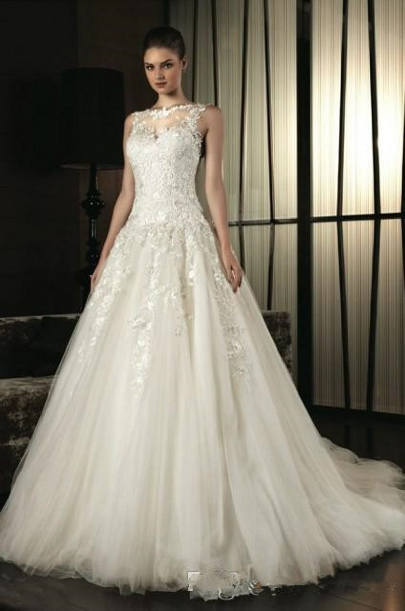2016 Plunging Neckline Wedding Dresses Buttons Downs The Back ...