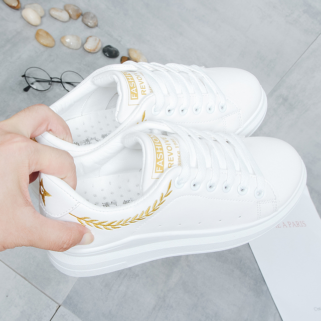 New 2018 Lady Pu leather Platform Shoes Sneakers Flat Sneakers Woman Sport Fashion Brand Breathable White Sneakers 2